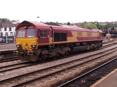 66045 Heads West at 0910.
