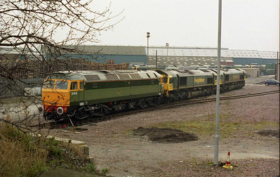 Riviera Trains' 47812 visited Leeds in late January on road-learning duty for Virgin CrossCountry. The 'Brush' is pictured here stabled at Freightliner's Midland Road depot amongst the ranks of Heavy Haul '66s' (28/01/2006)