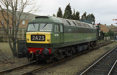 The loco runs back through Loughborough station on its way to pick up the 'TPO' set for its next working (26/03/2006)