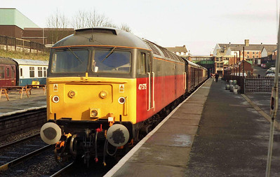 The next morning, 47575 waits to depart Bury with the 1022 to Heywood (19/02/2006)