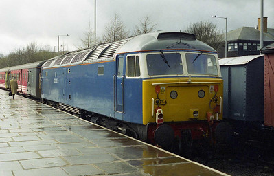 Repainted into 'Nanking Blue' livery to match FM Rail's prestige 'Blue Pullman' charter train, 47709 is pictured again on arrival at Rawtenstall with 1Z44 (08/04/2006)
