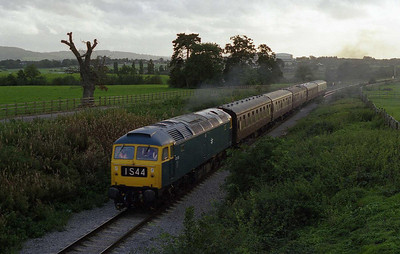 Having completed five round trips between Cheltenham and Winchcombe for the second day in a row, 47105 departs from the Race Course with the empty stock off the 1640 shuttle from Winchcombe (01/10/2006)
