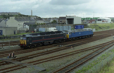 Having parked thier train in the sidings, FM Rail's 47709+47703 head for ATW's fuelling point (07/10/2006)