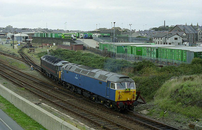 47709 'Dionysos' and 47703 'Hermes' return from the fueller to retrieve the stock and work 1Z33 back to East Anglia (07/10/2006)