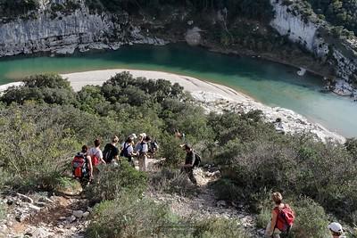 """Collias - Au dessus du village ruiné de la Baume Lieu de tournage du film """"Le salaire de la peur"""" avec Montand et Vanel"""