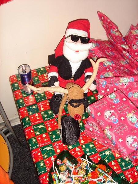 Santa at Stratstone 2006