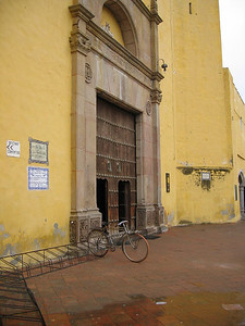 Bicycle outside church in Cholula