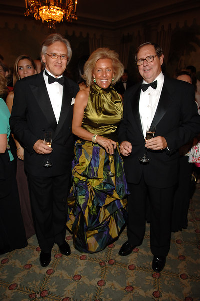 Mr. Georg Schnura , Mrs. G. Schnura , Mario Díaz-Cruz III (Chairman)