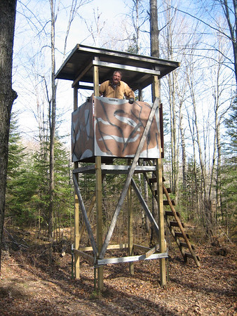 TOM GOMACH'S NEW DEER-STAND BUILT 10-21-06 KLEUTSCH LAKE