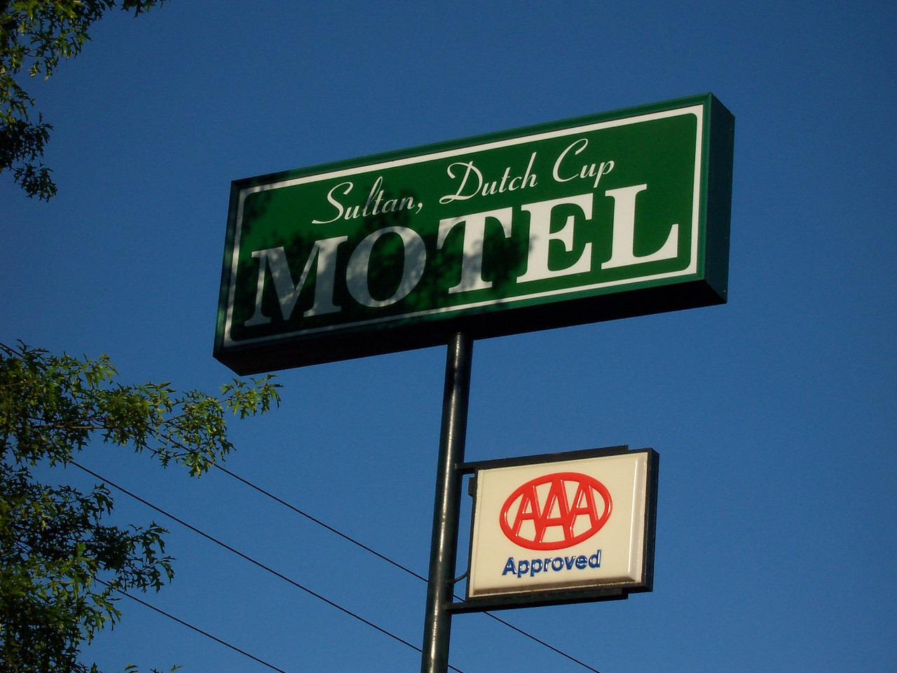 Dutch Cup, the motel we stayed at.