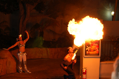 On to Universal Studios.  The fire-eater and his assistant.
