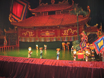 Hanoi water puppets - Leslie Rowley