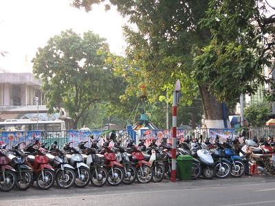 Hanoi bike parking - Leslie Rowley