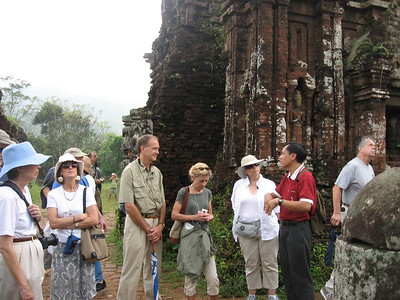 Group at Cham temples - Leslie Rowley