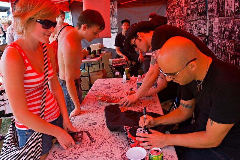 Alkaline Trio signing