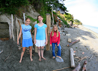 Emily, Ilana and Elena by their beach fort.