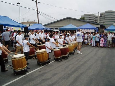 The taiko group showing their stuff.