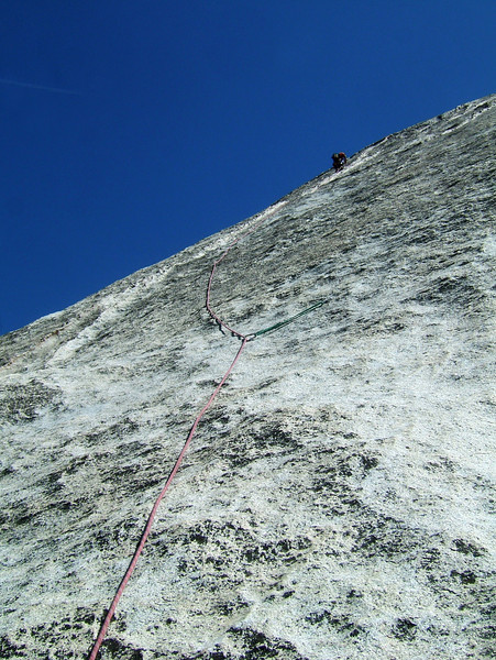 Kelsey leads past his first piece on a pitch of <i>Snake Dike 5.7</i> only protected by one bolt.