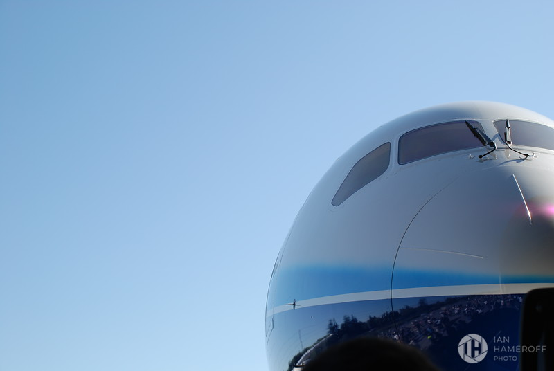 Front of the Boeing 787 Dreamliner