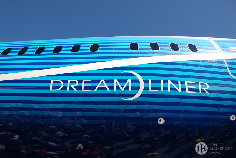 Dreamliner Logo on the Boeing 787