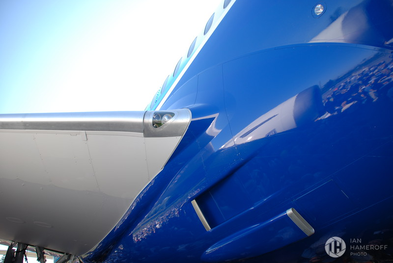 Mid-Section of the Boeing 787 Dreamliner