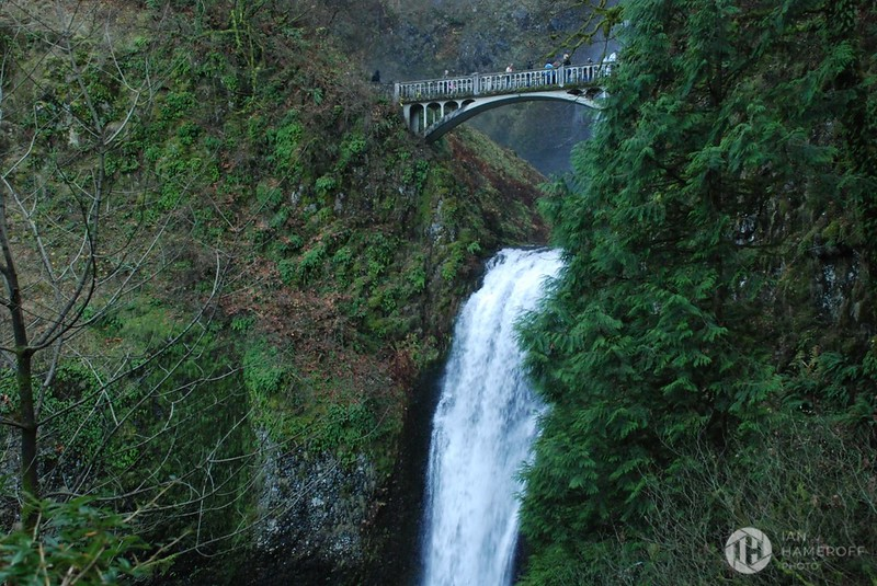 Benson Footbridge over the Lower Multnomah Falls