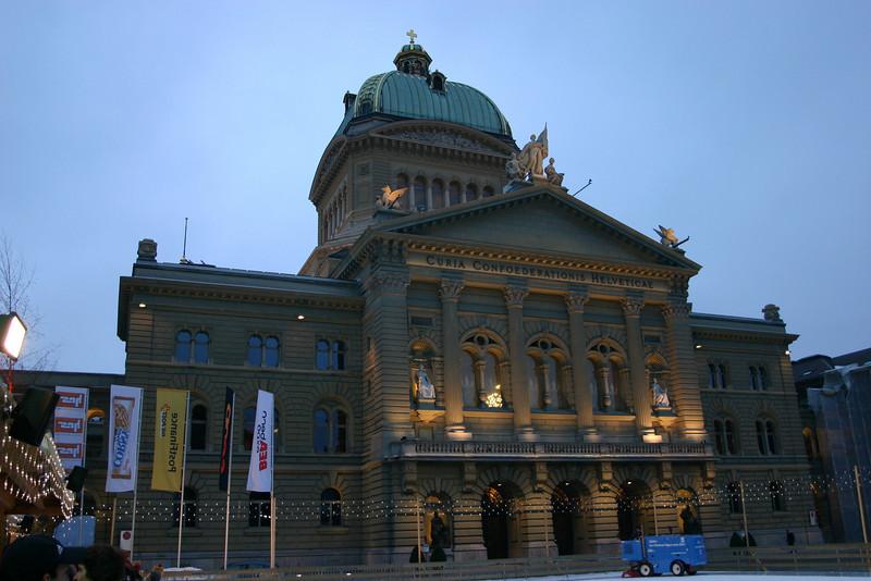 Bundeshaus, and resurfacing the ice at Bundesplatz