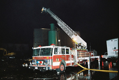 Photo's from Closter 4th+ Alarm Weyerhaeuser Railroad Ave. pictures taken from 19:00-21:00 5/2007