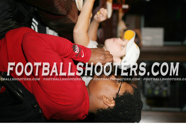 footballshooters-00000006_rem_sharks_v_divas_2007