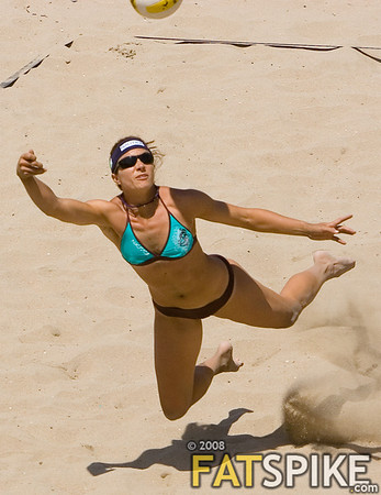 Misty May, diving for a dig