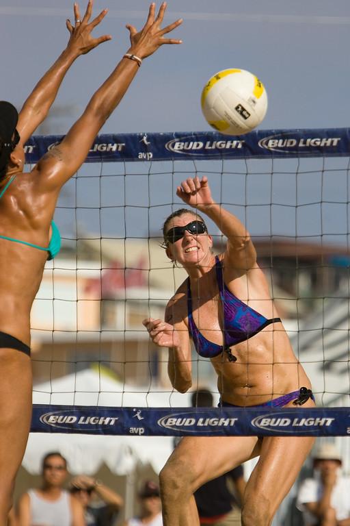 Alicia Polzin crushing the ball
