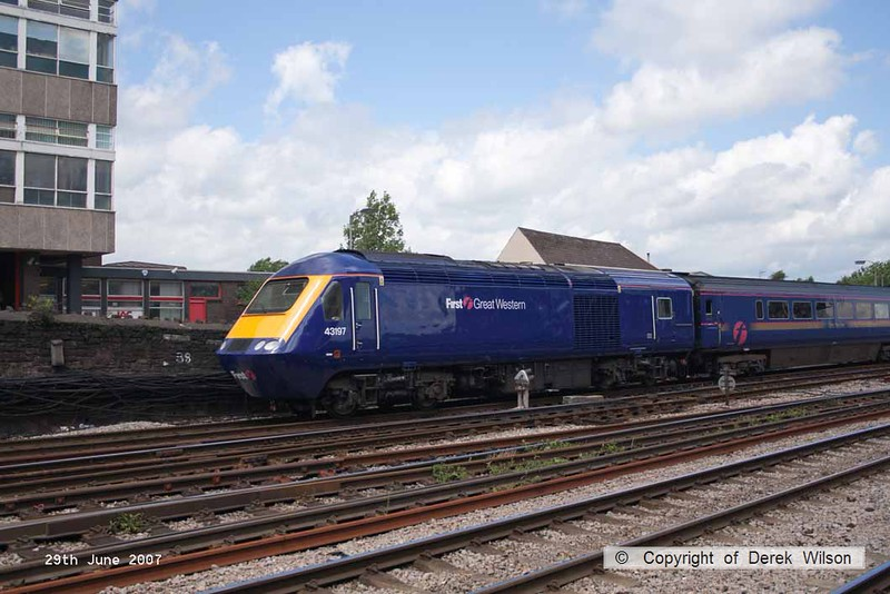 070629-038     FGW HST power car, class 43 no 43197 is seen leaving Newport at the rear of a Paddington bound express. Out of sight at the front was 43021.