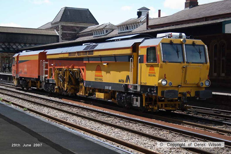 070629-060     Seco Rail Matisa B41 track tamper no DR75407, captured as it passed through Newport, Gwent.