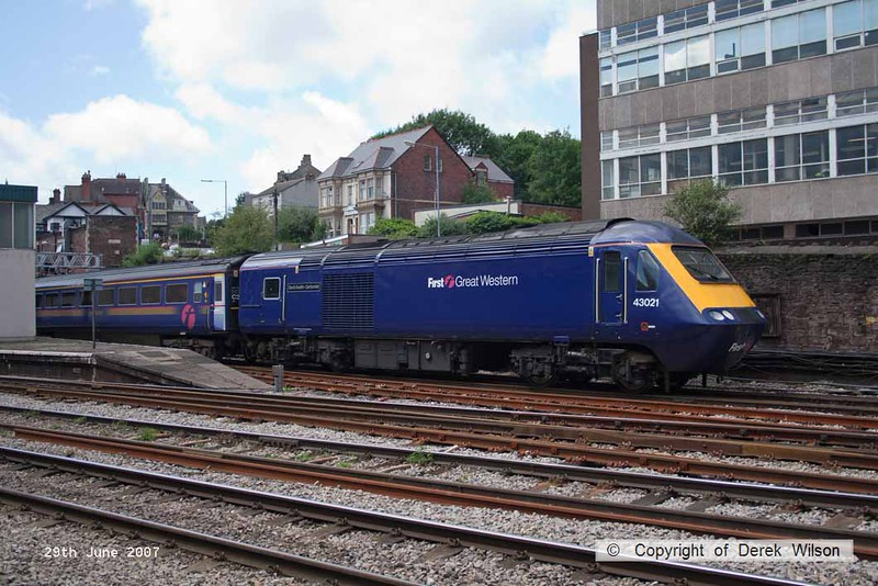 070629-037     First Great Western HST power car, class 43 n0 43021 David Austin - cartoonist, is seen pulling away from Newport, Gwent with a London Paddington bound express.