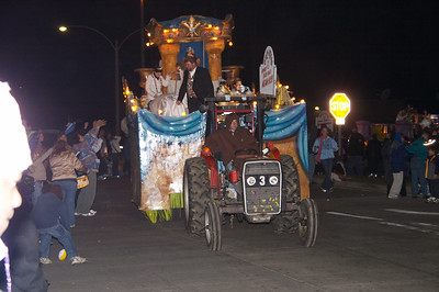 Most of the floats in this smaller parade were pulled by tractors