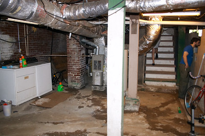 Washer/dryer in the basement