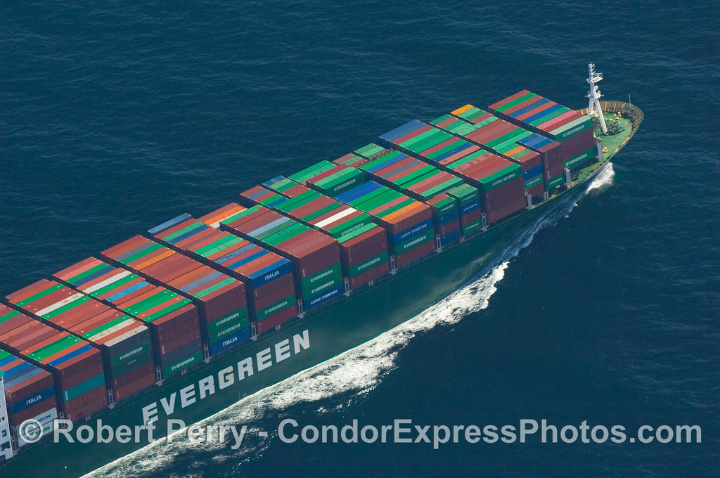 vessel container Evergreen Ever Unique from AIR 2007 09-15 AIR SB Channel-018modCROPsmall