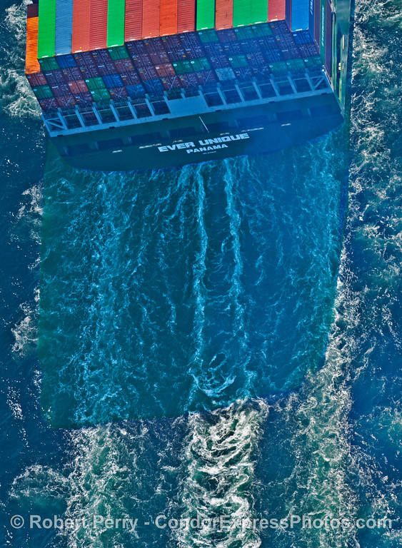 Container vessel Ever Unique from AIR 2007 09-15 AIR SB Channel-040