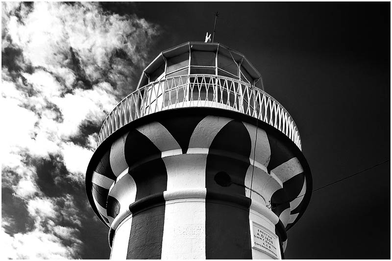 South Head, Thursday 5th April 2007.<br /> <br /> The Hornby Lighthouse.<br /> <br /> <br /> EXIF DATA<br /> Canon 1D Mk II. EF 17-35mm f/2.8L@17mm 1/160 f/8 ISO 200.