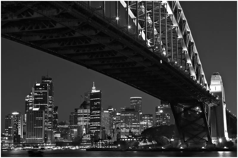 Sydney Harbour, Friday 20th April 2007.<br /> <br /> View from Milsons point.<br /> <br /> <br /> EXIF DATA<br /> Canon 1D Mk II. EF 24-70mm f/2.8L@60mm 4s f/8 ISO 400.