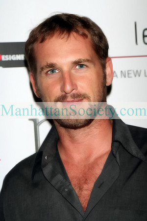 Josh Lucas at Level Vodka's presentation of  RIP THE RUNWAY FOR DARFUR at Runway Nightclub, New York, NY <center>New York, NY, USA - 8/14/2007 Photo: ManhattanSociety.com by Steve Mack