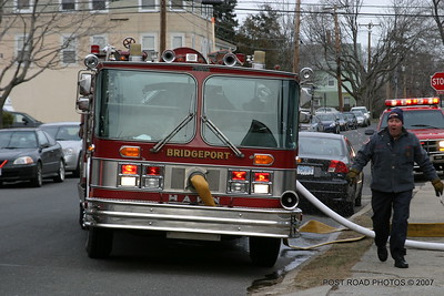 20070121-garage-fire-bridgeport-connecticut-wade-st-credit-post-road-photos-024