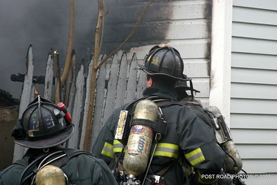 20070121-garage-fire-bridgeport-connecticut-wade-st-credit-post-road-photos-011