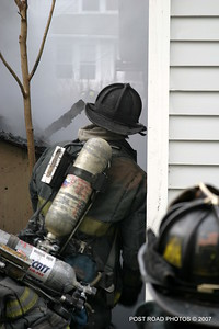 20070121-garage-fire-bridgeport-connecticut-wade-st-credit-post-road-photos-017