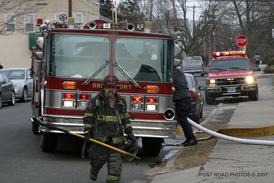 20070121-garage-fire-bridgeport-connecticut-wade-st-credit-post-road-photos-023