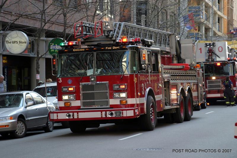 20070429-chicago-fire-cfd-211-e-ohio-02