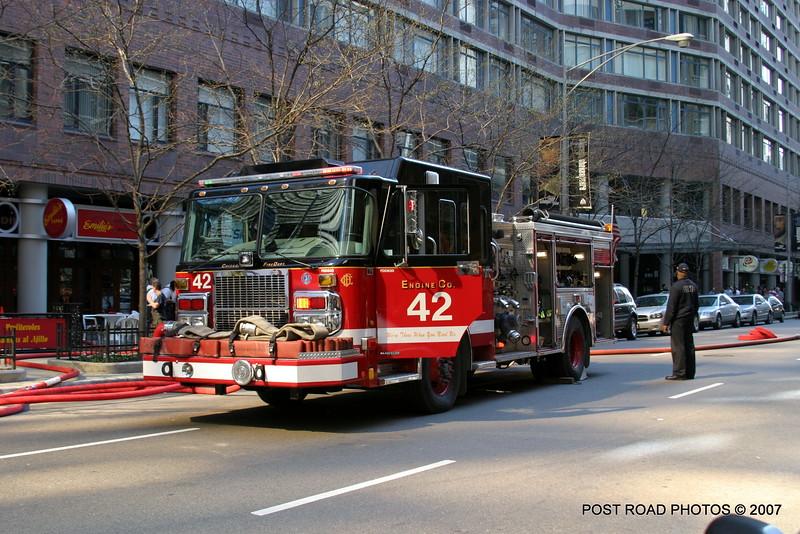 20070429-chicago-fire-cfd-211-e-ohio-01