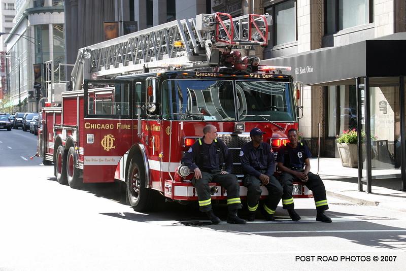 20070429-chicago-fire-cfd-211-e-ohio-19