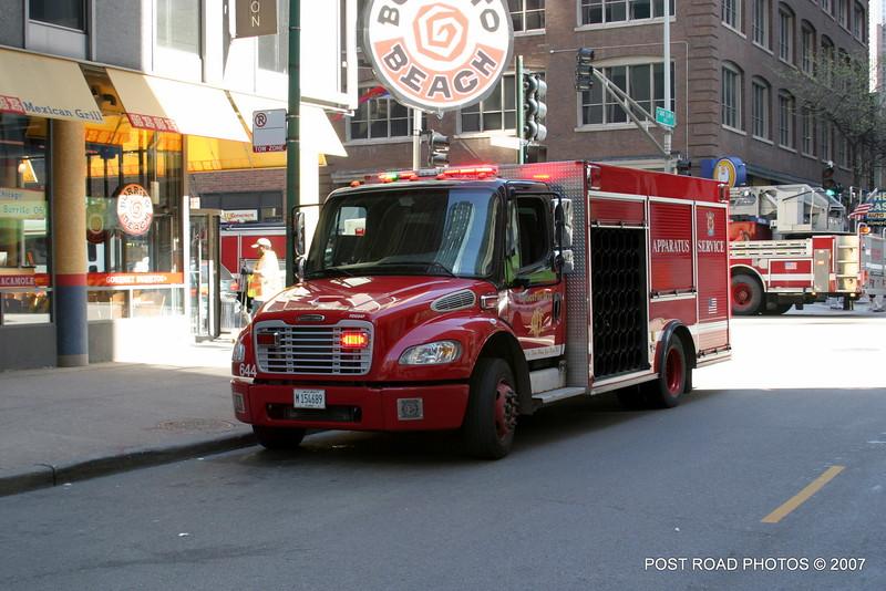20070429-chicago-fire-cfd-211-e-ohio-23