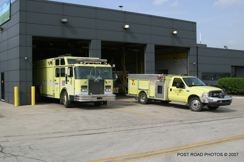 2007-chicago-fire-cfd-firehouse-engine-9-squad-7-at-ohare-airport